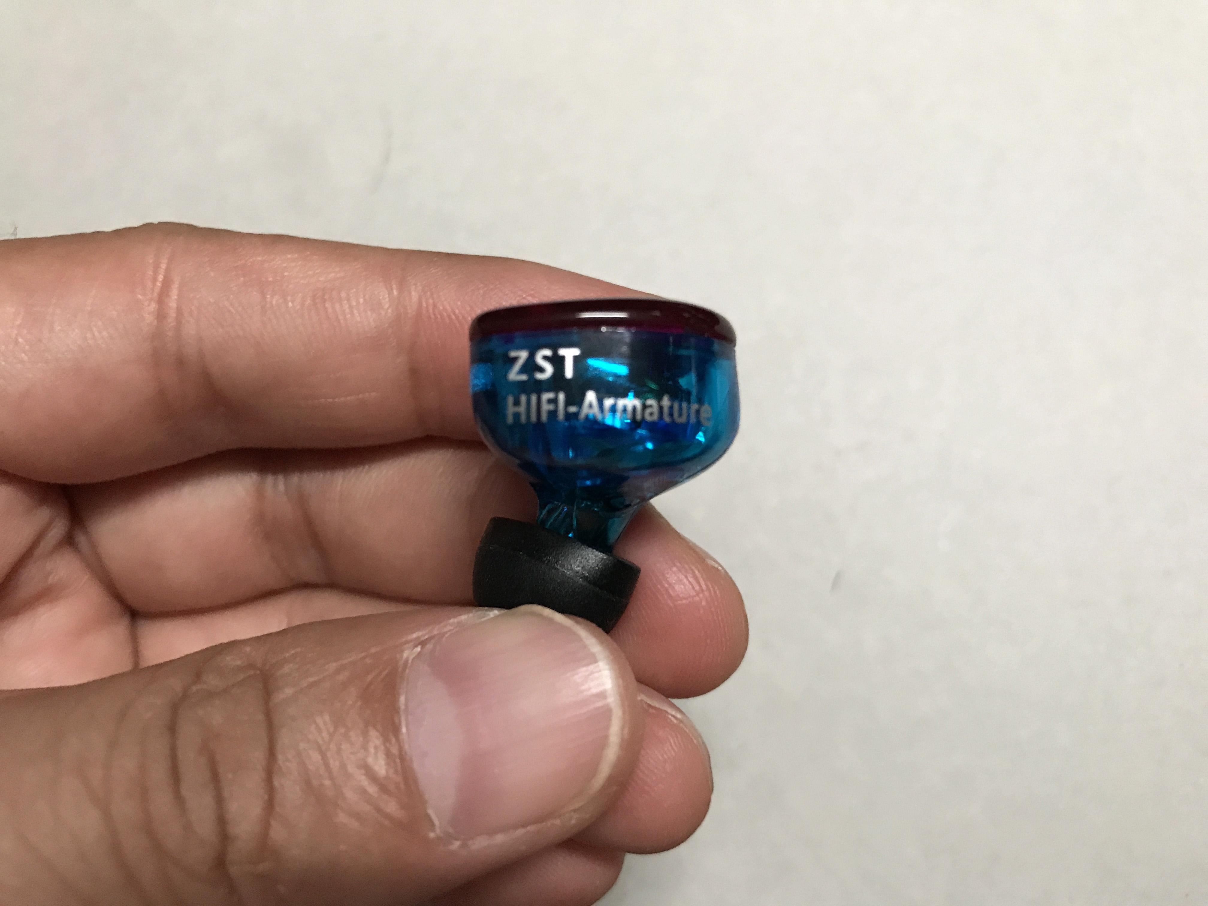 KZ ZST ハイブリッドドライバイヤホン 1BA+1DD 高性能インイヤーイヤホン音質がいい